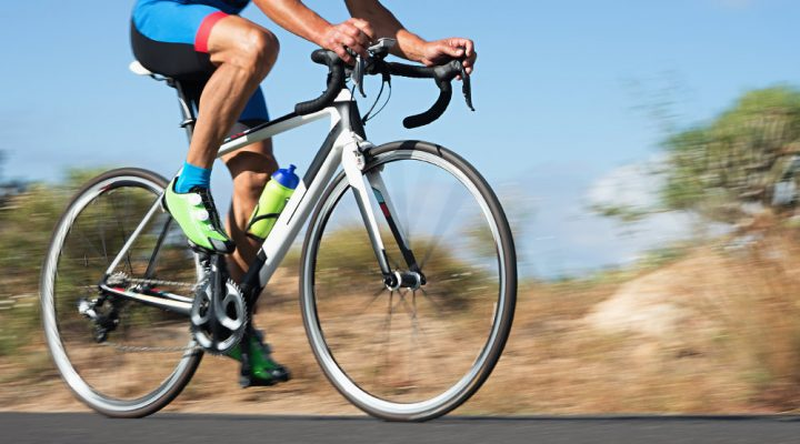 Happy in the saddle: 4 tips for avoiding classic cycling injuries