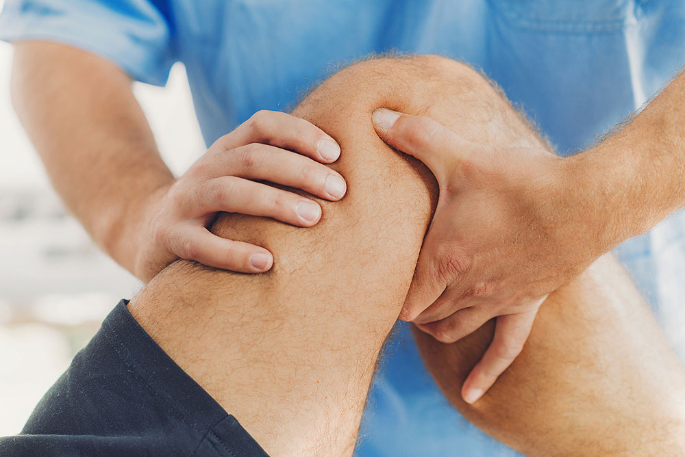 When surgery isn't the answer a guide to conservative knee treatment - Chris Bailey